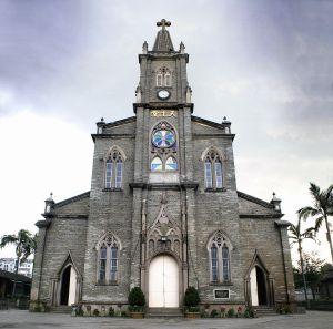 江滨大道改造前的泛船浦天主堂(拍摄:林轶南 / 2007年3月)
