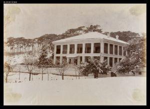1893年,大雪后的太兴洋行(来源:http://www.vcea.net/Digital_Library/Images_en.php?ID=21206)