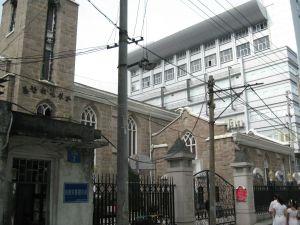 自教堂入口向东看 (来自:红衣棒糖人)