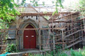 修缮中的石厝教堂(拍摄:池志海/2011)