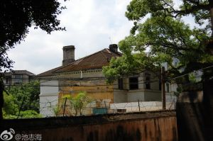 从乐群路望美国领事馆(拍摄:池志海/2011.5)