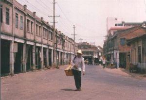 营前模范村的骑楼街,此处似已不存(拍摄:火燄山)