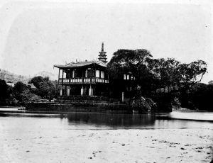 1870年代的金山塔寺。选自日本东洋文库所藏莫理循之影集(Album of Hongkong Canton Macao Amoy Foochow vol.1)