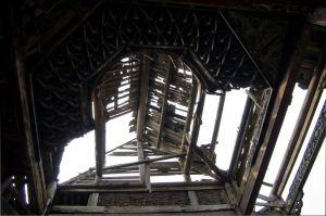 部分坍塌的藻井(拍摄:ahaofz 2012年3月18日)