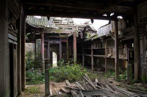 戏台与天井(拍摄:ahaofz 2012年3月18日)