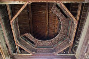 正殿藻井(拍摄:ahaofz 2012年3月18日)