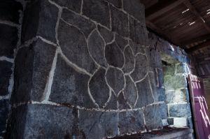 壁炉上的莲花图案(拍摄:池志海/2012)