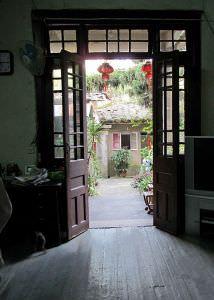 建筑内部保存完好的木地板(拍摄:nenva,2012年5月)