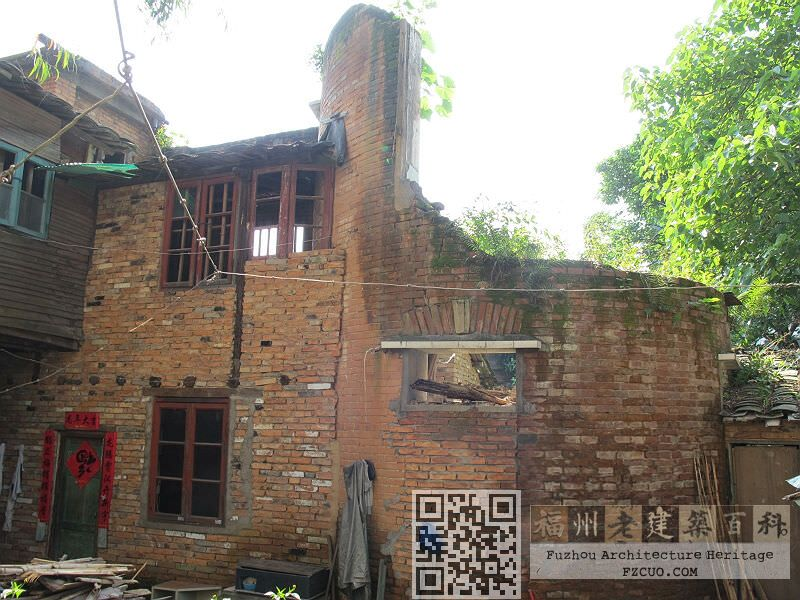 象山里1号院内,完全被烧毁的西洋建筑(拍摄:林轶南,2012年5月)