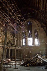 修缮中的石厝教堂