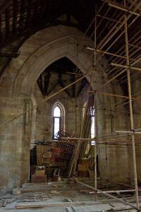 修缮中的石厝教堂(拍摄:暂不留名/2011)