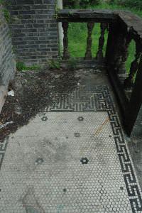 入口小平台栏杆(小飞刀摄于2012年7月)