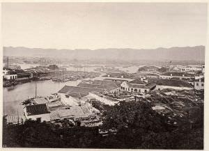 约翰·汤姆逊(John Thompson)从仓观顶一带拍摄的中洲岛(拍摄时间:1860年前后)