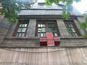 李守泰痔疮专科诊所正立面(二三层,拍摄于2005年,来源:福州市优秀近现代建筑保护规划)