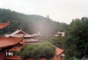 侧面 火燄山 2002