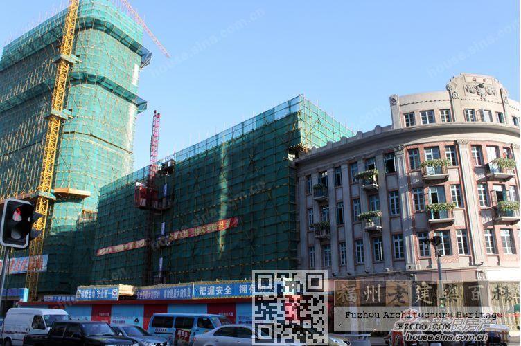 经过修缮的中国国货公司(右侧,左侧新建建筑为原云章百货地块。摄于2012年10月,来源:新浪地产)