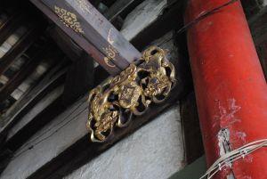 已经丢失的鎏金梁托(洪孝松摄于2010年3月)