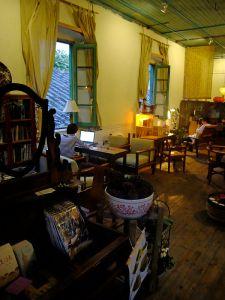 """经改造开办""""自由人工作室""""的西面房间(nenva摄于2012年11月)"""