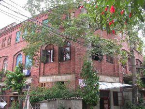 从忠烈路仰望(来源:福州市区优秀近现代建筑保护规划)