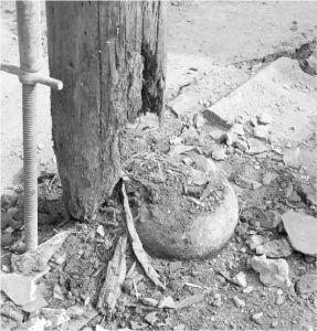 糟朽的柱根(来源:《福州衣锦坊水榭戏台古建筑群修复工程》)