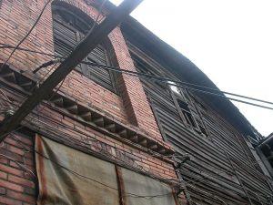 砖墙与鱼鳞板墙交接部分(来源:福州市规划院)