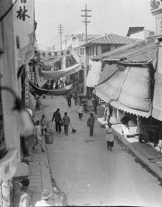 西德尼·甘博(Sidney Gamble)拍摄的南街历史照片(摄于1917-1919年,来源:http://library.duke.edu/digitalcollections/gamble_156-876/)