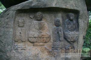 城门山石刻造像正面(从南到北)(来源:严可清摄于2009年6月)