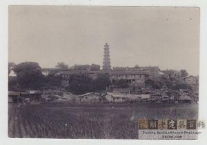 清末或民国初年,从陆地一侧拍摄的罗星塔,具体拍摄时间不明(来源:ebay.com)