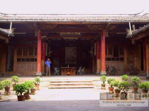 2006村领导在工作(林陶江)